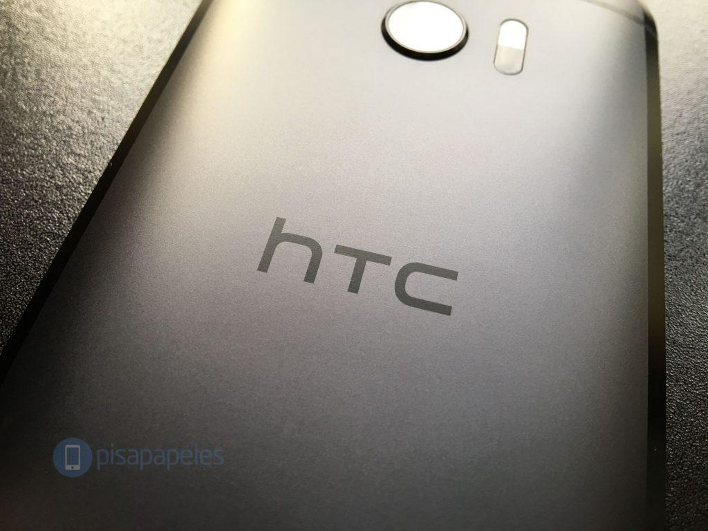 HTC <stro />Android</strong>® 10(diez) PISAPAPELES.NET_1&#8243; style=&#8221;display: block; margin: auto; margin-bottom: 5px;&#8221; srcset=&#8221;https://static.pisapapeles.net/uploads/2016/06/HTC-10-PISAPAPELES.NET_1-1024&#215;768.jpg 1024w, https://static.pisapapeles.net/uploads/2016/06/HTC-10-PISAPAPELES.NET_1-300&#215;225.jpg 300w&#8221; sizes=&#8221;(max-width: 750px) 100vw, 750px&#8221; /> <p>Hace algunos años ya que venimos leyendosobre el 1.er <strong>Smartwatch</strong>® del elaborador taiwanés <a href=