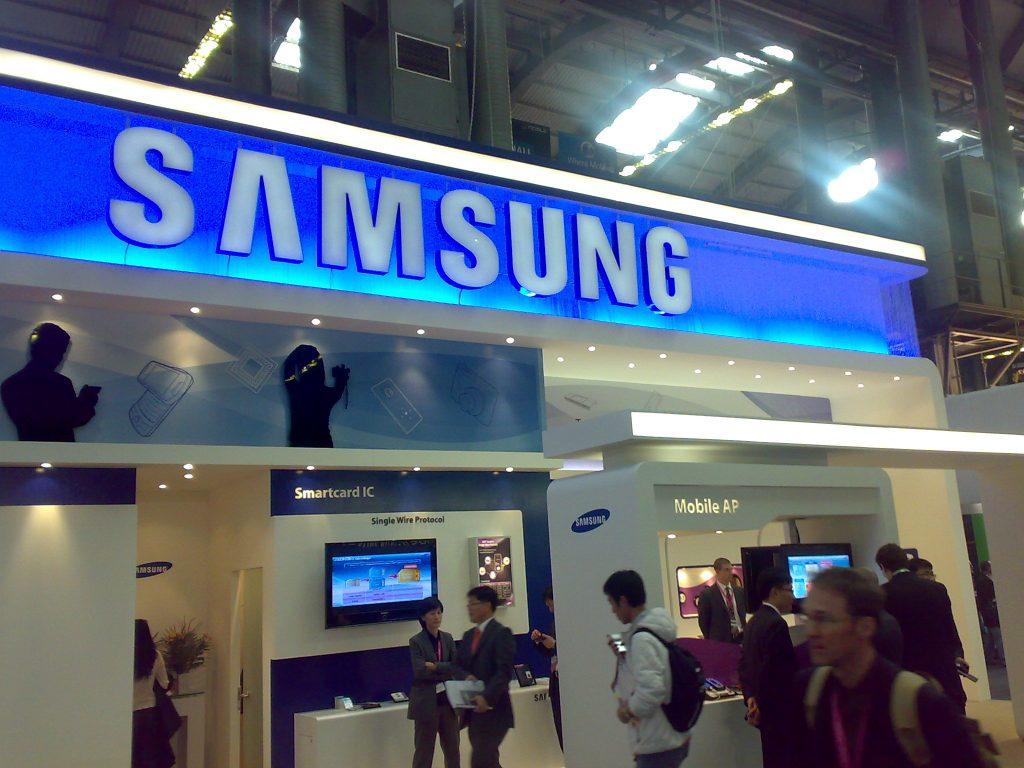 Galaxy J3 - <stro />Samsung</strong>® -portada&#8221; style=&#8221;display: block; margin: auto; margin-bottom: 5px;&#8221; srcset=&#8221;https://static.pisapapeles.net/uploads/2016/11/Galaxy-J3-render-portada-1024&#215;768.jpg 1024w, https://static.pisapapeles.net/uploads/2016/11/Galaxy-J3-render-portada-300&#215;225.jpg 300w&#8221; sizes=&#8221;(max-width: 750px) 100vw, 750px&#8221; /> <p>A pesar de <a href=