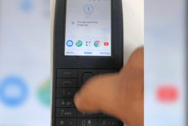 Un dispositivo Nokia básico sin pantalla táctil que aparentemente estaría corriendo Android.