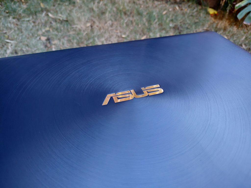 ASUS ZenBook 14 foto 4