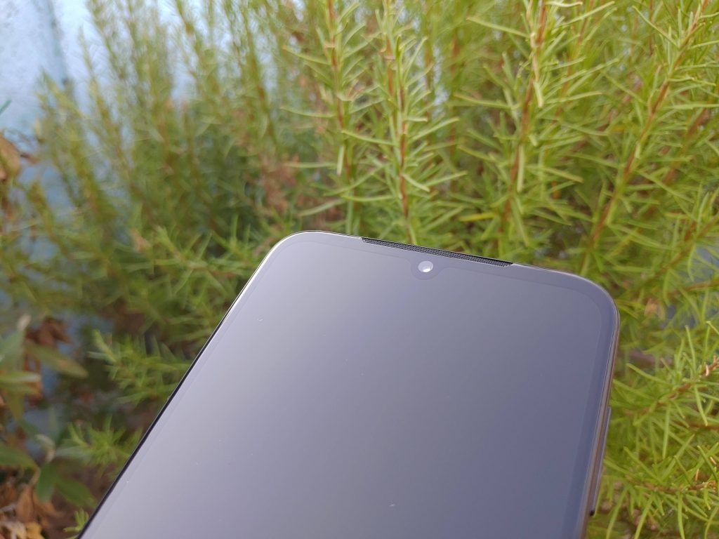 Foto Moto G8 Plus (2)